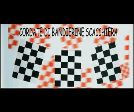 CORDATA DI BANDIERINE SCACCHIERA